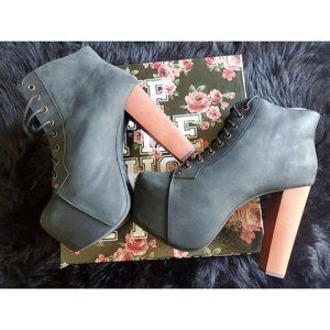 Jeffrey Campbell Lita Black Size 9 Distressed